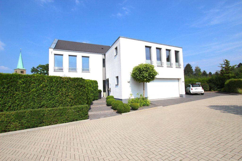 VERKAUFT / Hochwertiges Einfamilienhaus mit Einliegerwohnung in Dortmund-Sommerberg